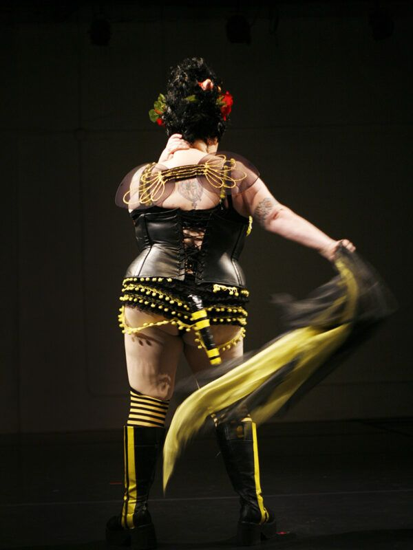 """Jukie Sunshine performs """"Bumble Bee Blues"""" at All that Flab in San Francisco in Spring 2007."""